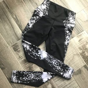ALO Yoga Pants - Alo high waist airbrush leggings